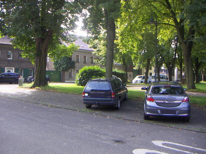 Parkplatz direkt vorm Eingang